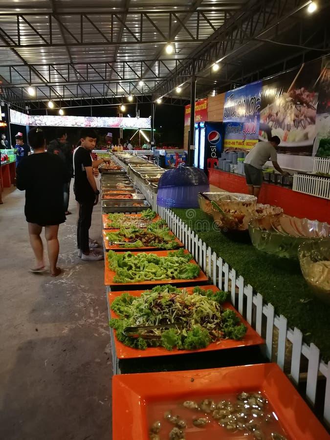 Diversos platos del buffet en Tailandia fotografía de archivo libre de regalías