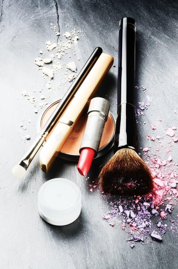 Diversos productos de maquillaje imágenes de archivo libres de regalías