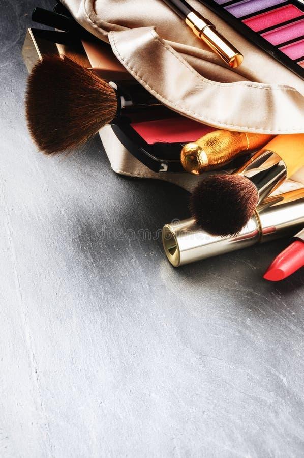 Diversos productos de maquillaje fotos de archivo libres de regalías
