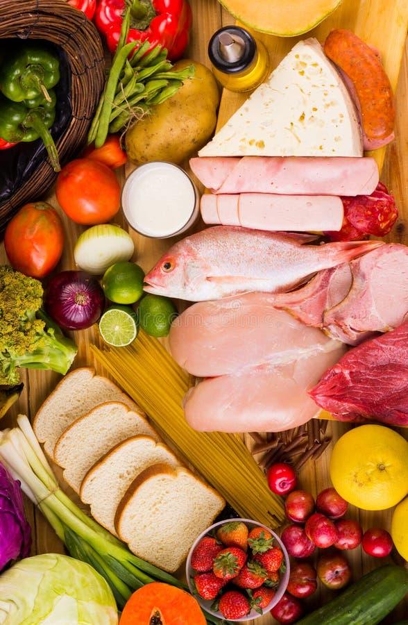 Diversos tipos de comidas imagen de archivo libre de regalías