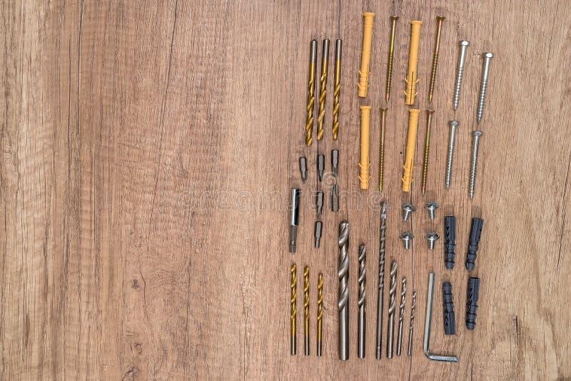 Diversos tornillos y pasadores imagen de archivo