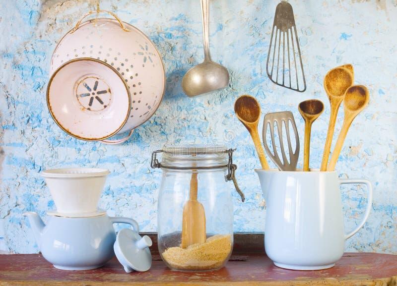 Diversos Utensilios De La Cocina Del Vintage Imagen de archivo ...