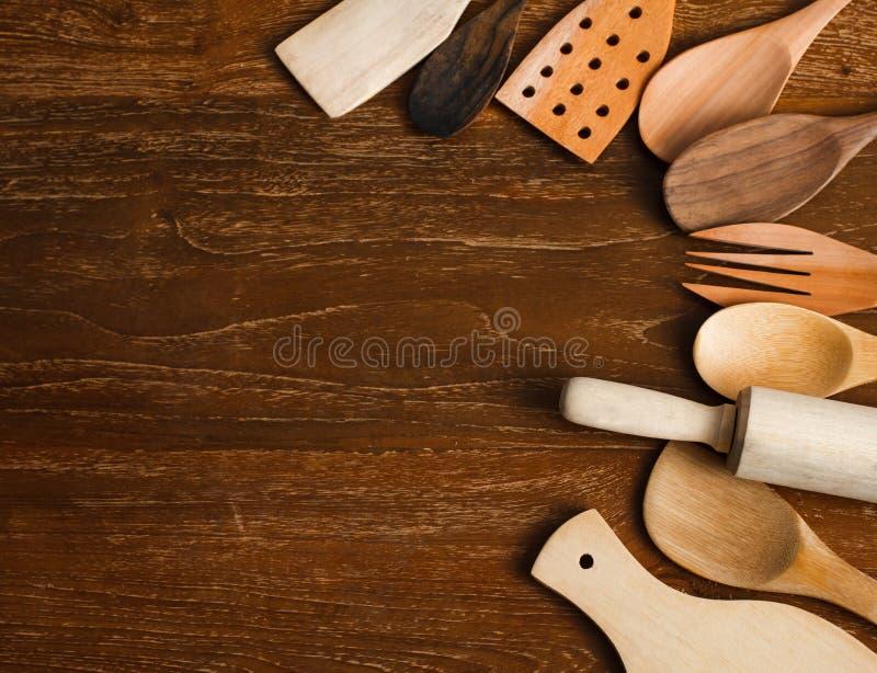 Diversos utensilios de la cocina hechos de la madera foto de archivo libre de regalías