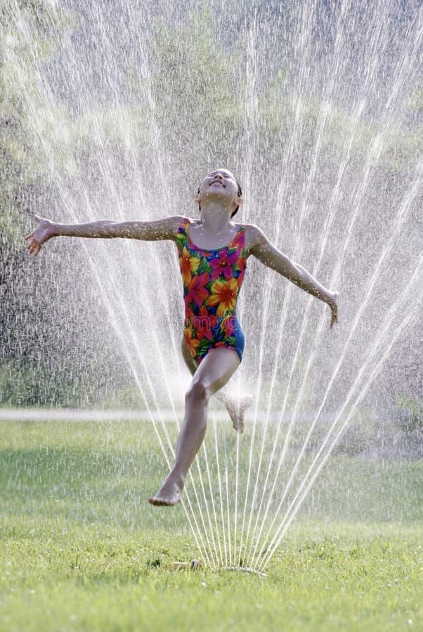 Divertimento caldo dell'acqua di estate immagine stock