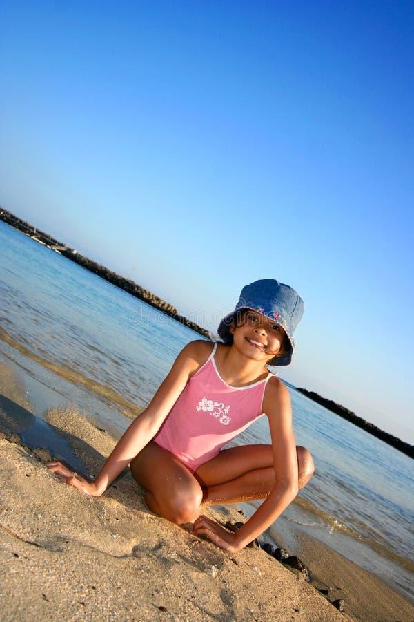 Divertimento da noite na praia. imagens de stock royalty free