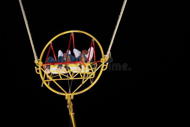Download Divertimento Dell'ammortizzatore Ausiliario Fotografia Stock - Immagine di bungee, yellow: 201266