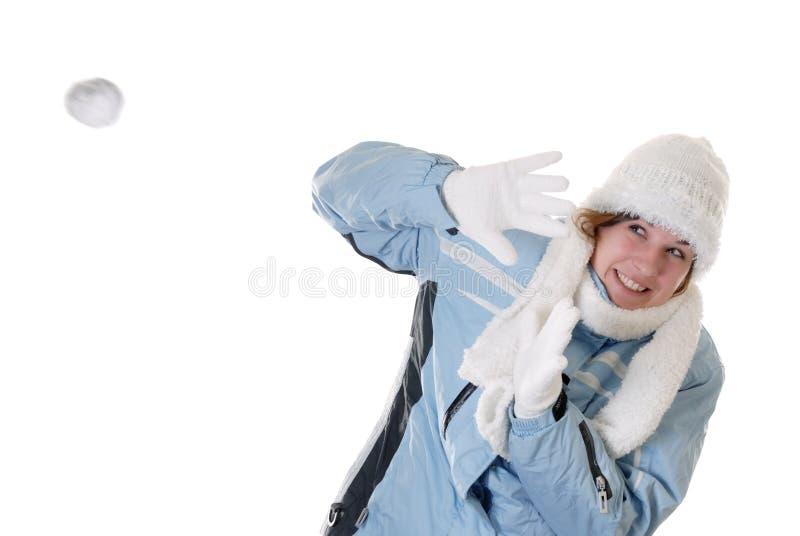 Divertimento di inverno: battaglia della palla di neve immagine stock