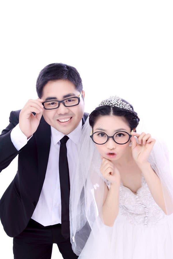 Divertimento dos pares do casamento imagem de stock