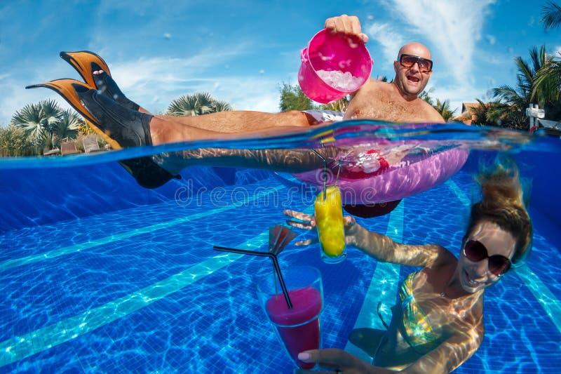 Divertimento na natação imagens de stock royalty free