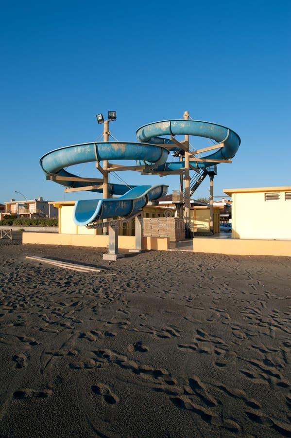 Download Divertimento na praia imagem de stock. Imagem de cute - 16873195