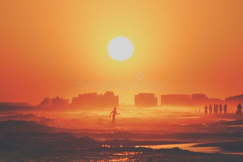 Divertimento no Sun imagem de stock