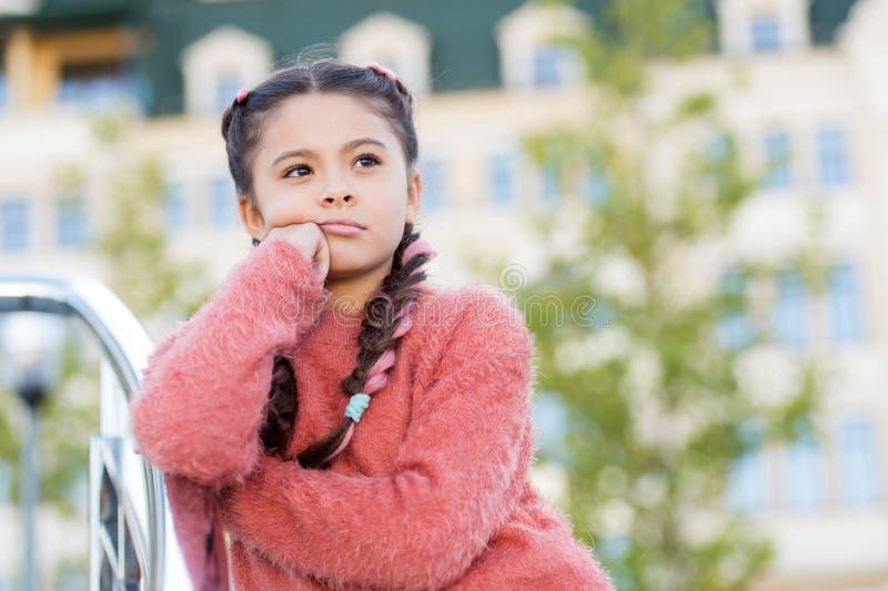 Divertissement pour des enfants Id?es d'amusement de loisirs Aper?u d'?v?nement Options de loisirs Temps libre et loisirs Fille u images libres de droits