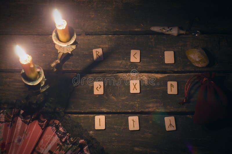 Divination πετρών ρούνων στοκ φωτογραφία με δικαίωμα ελεύθερης χρήσης