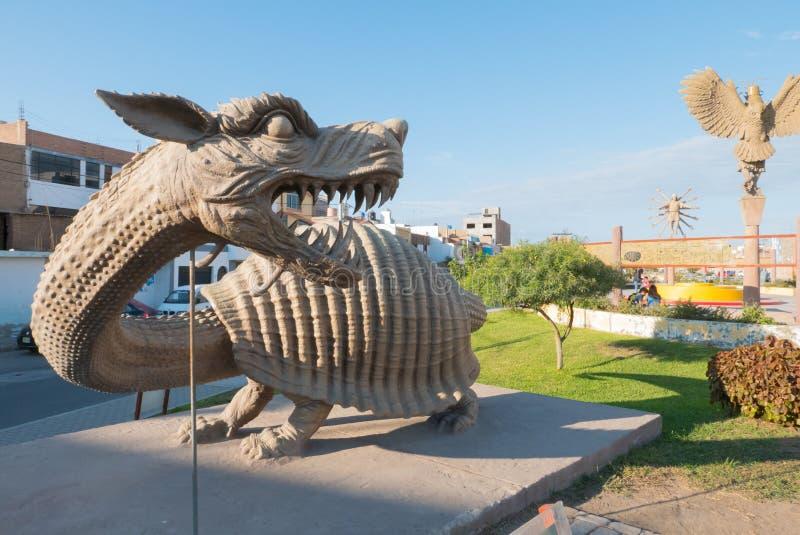 Divinité Moche avec la tête Chiclayo Pérou de dragon photo stock
