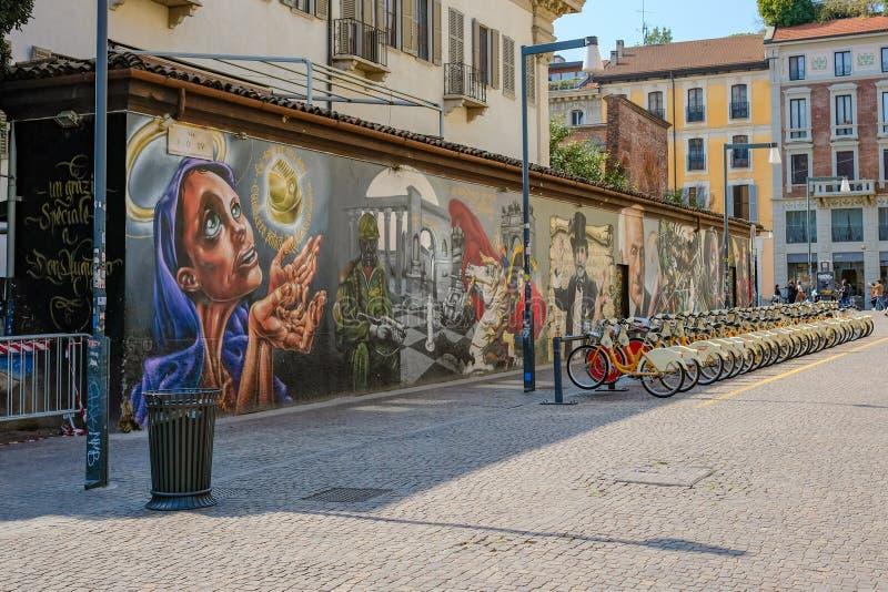 Divisione della bici e del murale fotografia stock libera da diritti