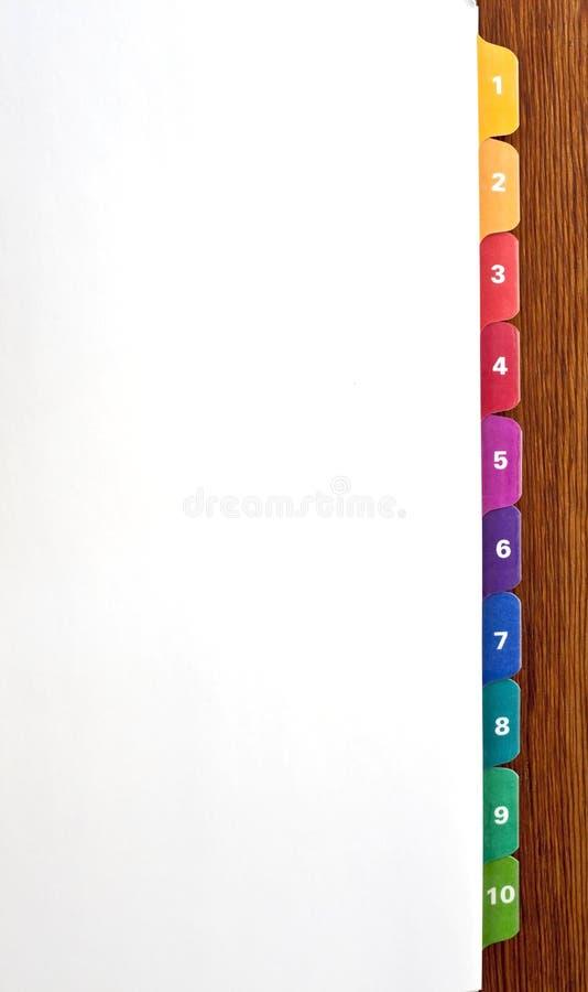 Divisores numerados y coloridos de la tabulación fotografía de archivo libre de regalías