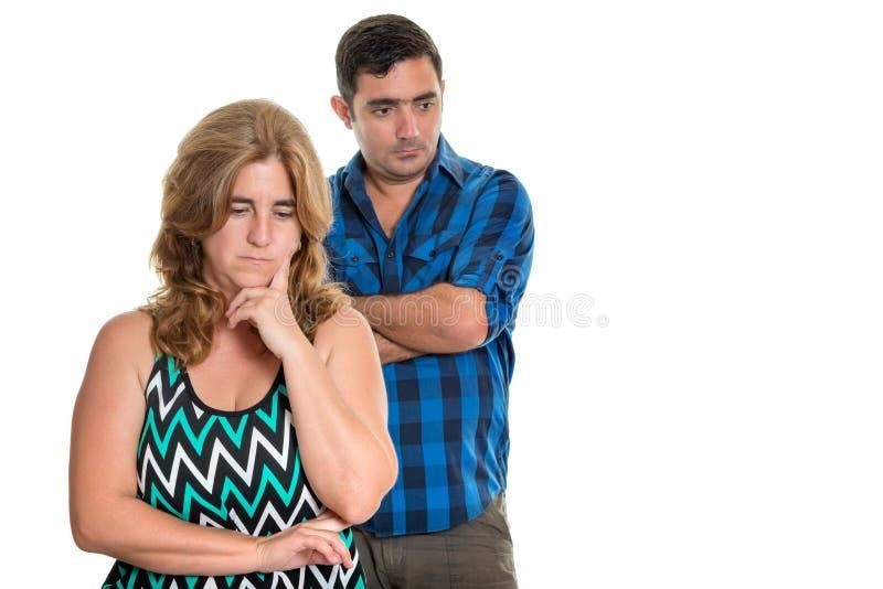 Divorcie-se, conflitos na união - par latino-americano triste fotografia de stock