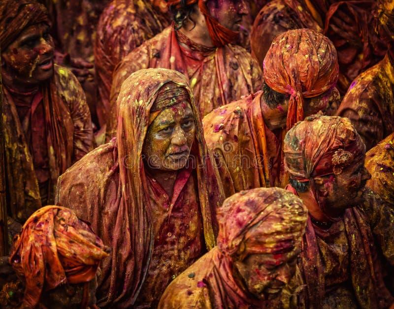Divotee que canta Bhajans em Samaj em Nandgaon, Uttar Pradesh, Índia imagens de stock royalty free
