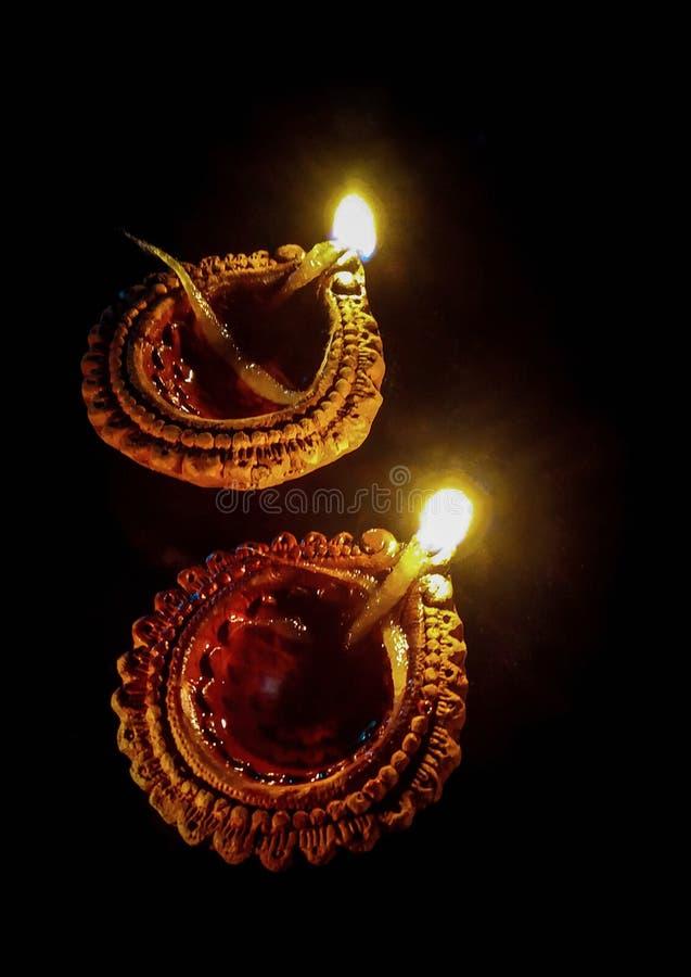 Diwali garnering med Diyas arkivbilder