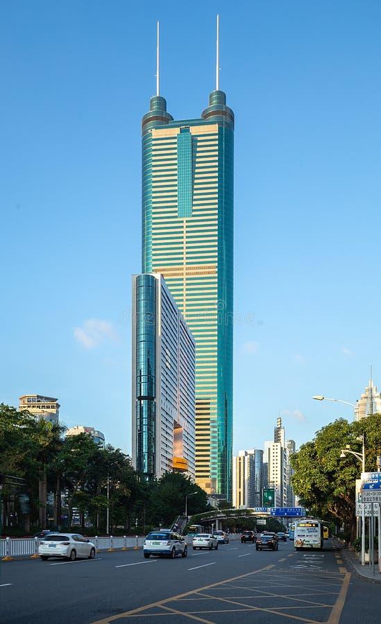 Diwang-Gebäude, moderne Architektur Shenzhens, China mit blauem Himmel stockfotografie