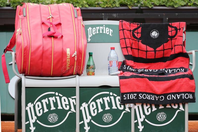 Dix-neuf champions Serena Willams de Grand Chelem de périodes ont personnalisé le sac de tennis de Wilson chez Roland Garros image libre de droits