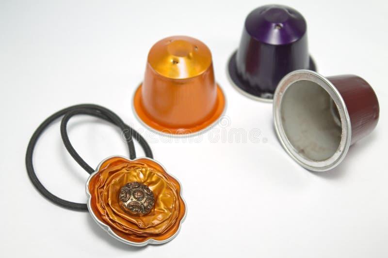 DIY-hantverk som göras med espressokapslar arkivfoto