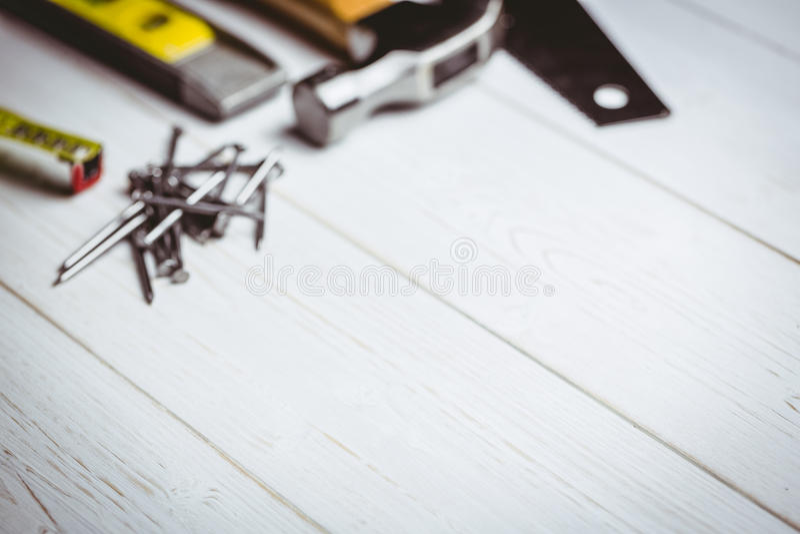DIY-hjälpmedel som läggas ut på tabellen fotografering för bildbyråer