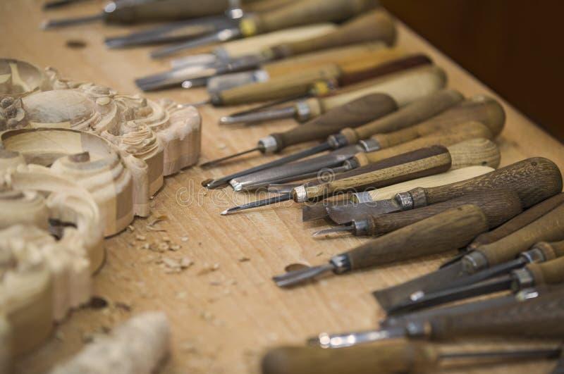 DIY Konzept Holzbearbeitungs- und Handwerkswerkzeuge Zimmereihandwerkzeuge Hölzerne Teile, Planken und Aktien Hölzerner Hintergru stockfotos