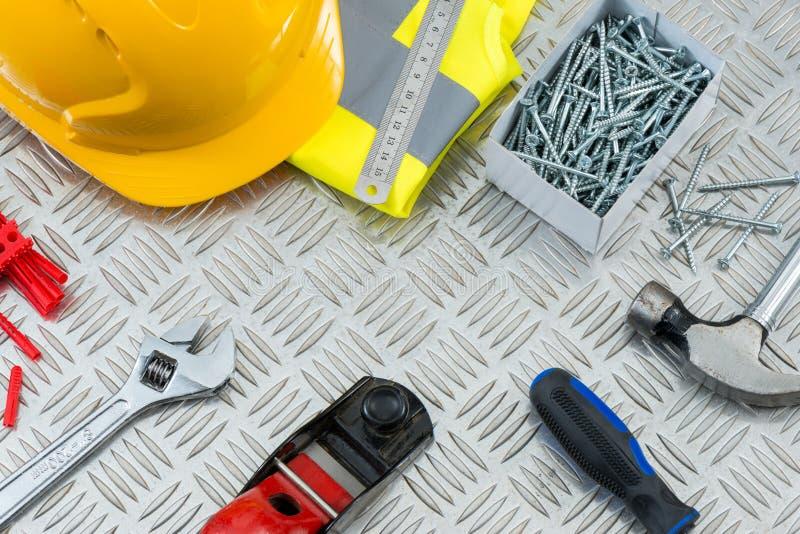 DIY-Zimmerei-Werkzeuge und Ausrüstung mit Kopien-Raum stockfotos