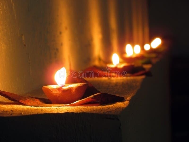 Diya, ελαιολυχνίες, Diwali και ινδικό φεστιβάλ των φω'των στοκ εικόνα