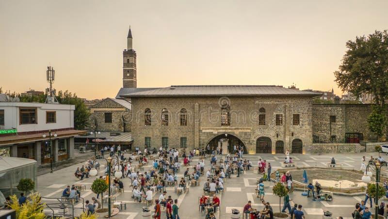 DIYARBAKIR, DIE TÜRKEI - 25. AUGUST 2018: Ansicht der großartigen Moschee Ulu Cami, die Zentrale von Diyarbakir lizenzfreies stockfoto