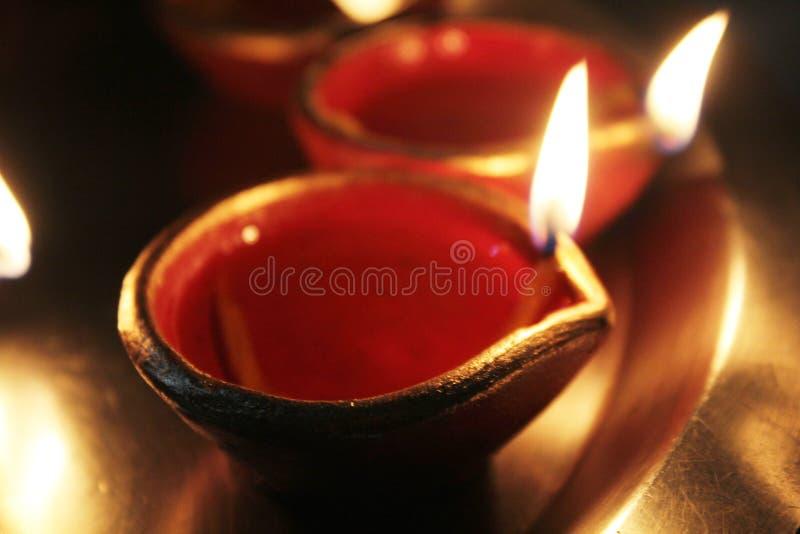 Diyas durante diwali imagen de archivo