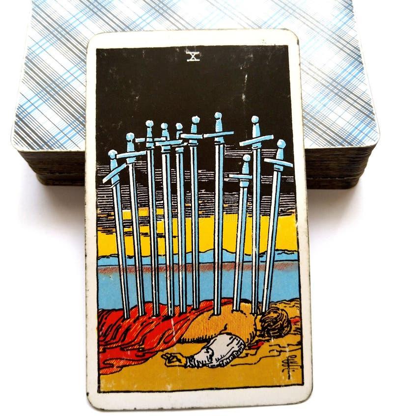 Dizaines de ruine d'échec de défaite d'épuisement de carte de tarot d'épées illustration stock