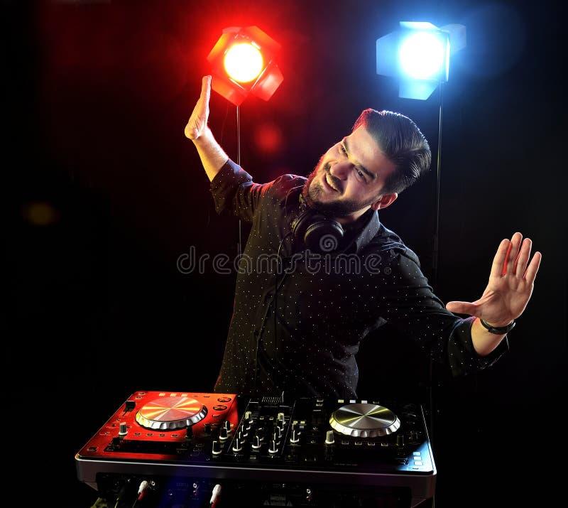 DJ играя музыку стоковые изображения