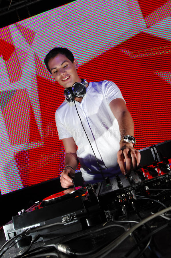 DJ in actie stock fotografie