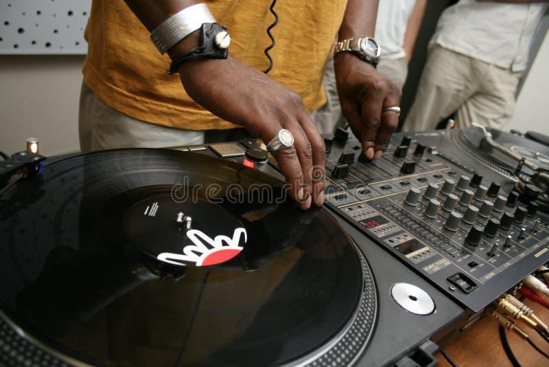 DJ dat het verslag spining stock foto