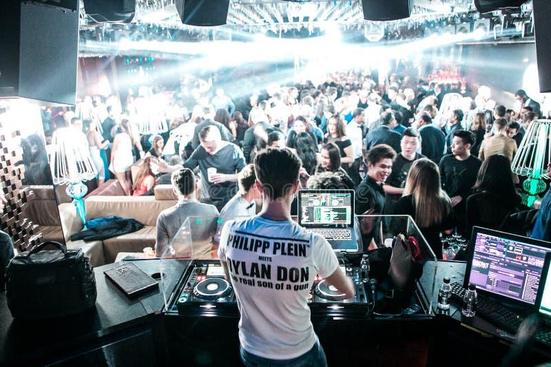 DJ in de club van Londen stock fotografie