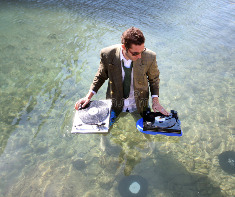 DJ en el mar imagen de archivo libre de regalías