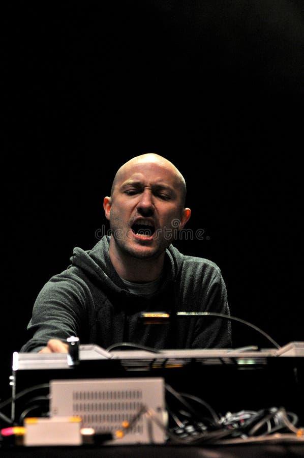 DJ Paul Kalkbrenner von Berlin, Deutschland führt Live auf dem Stadium durch lizenzfreies stockfoto