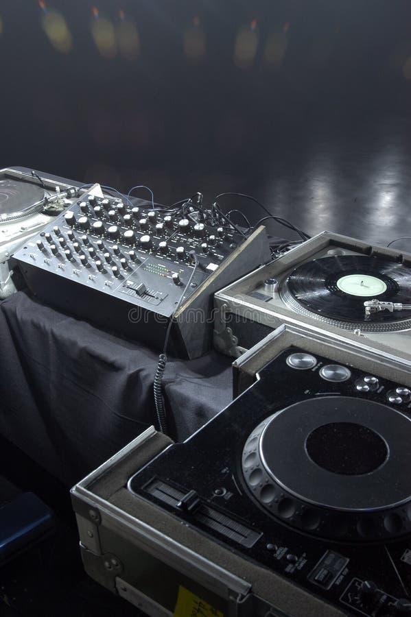 DJ profesional engrana fotos de archivo libres de regalías