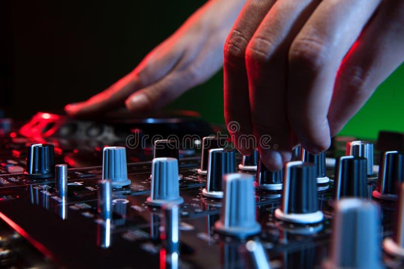 DJ przy pracą. obrazy stock