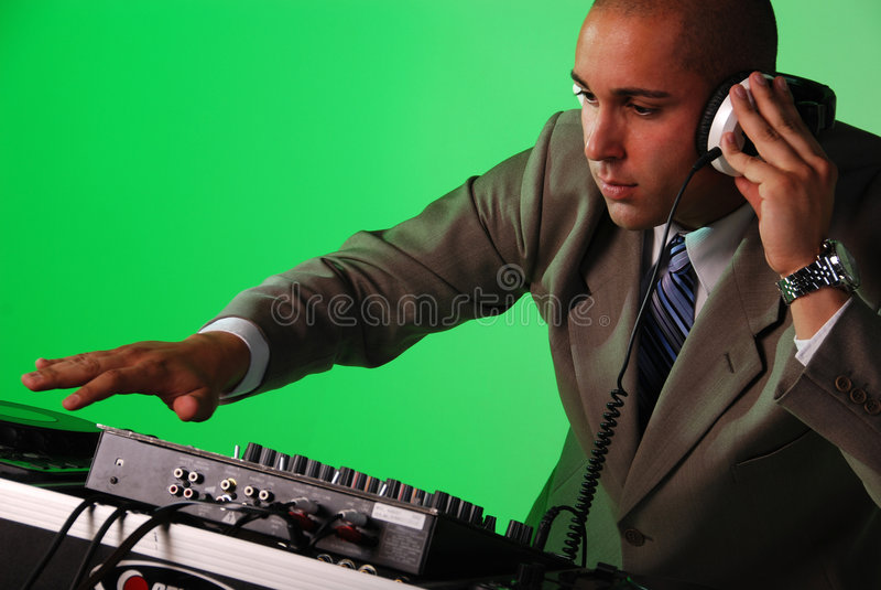 DJ que joga a música. fotos de stock