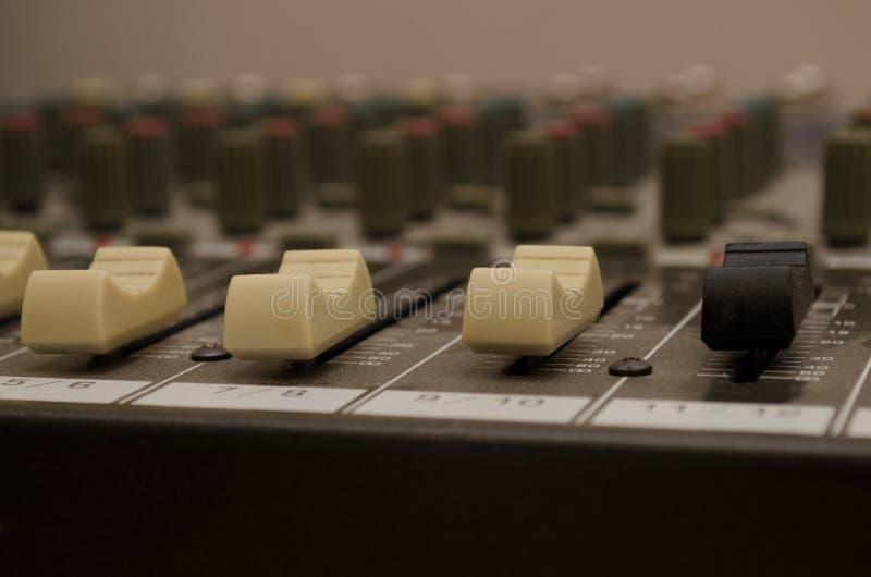 dj wyposażenia melanżeru muzyki s dźwięka styl obrazy stock