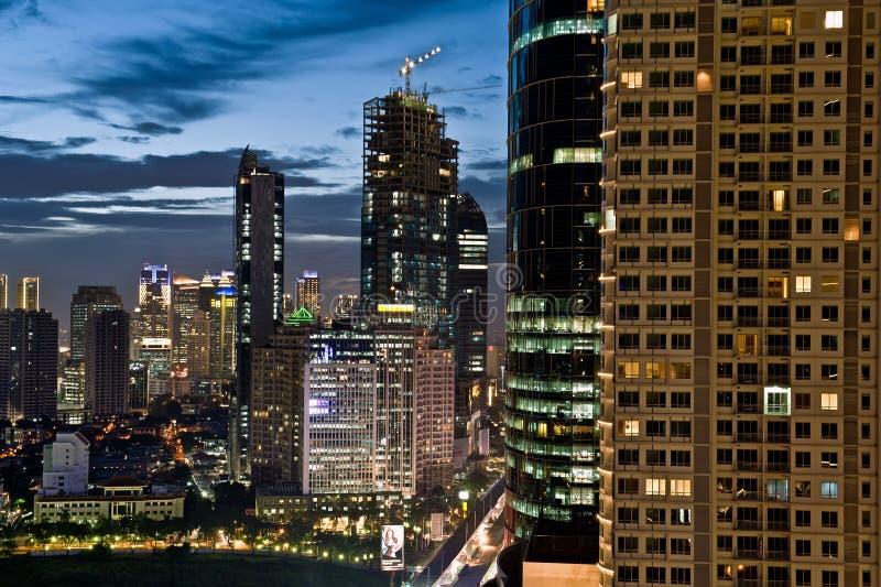Djakarta bij nacht royalty-vrije stock afbeelding