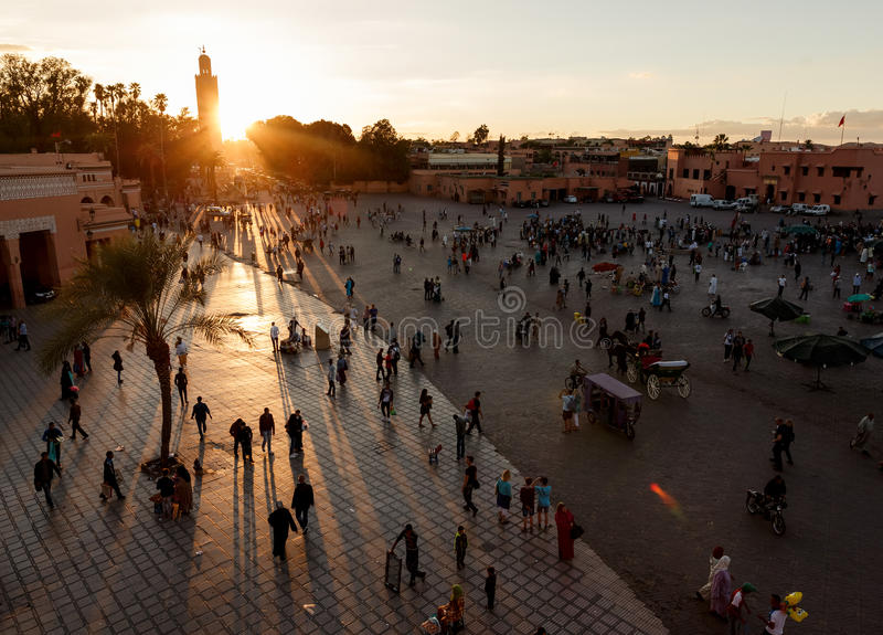 Djemaa El-fna på Marrakech, Marocko arkivfoto