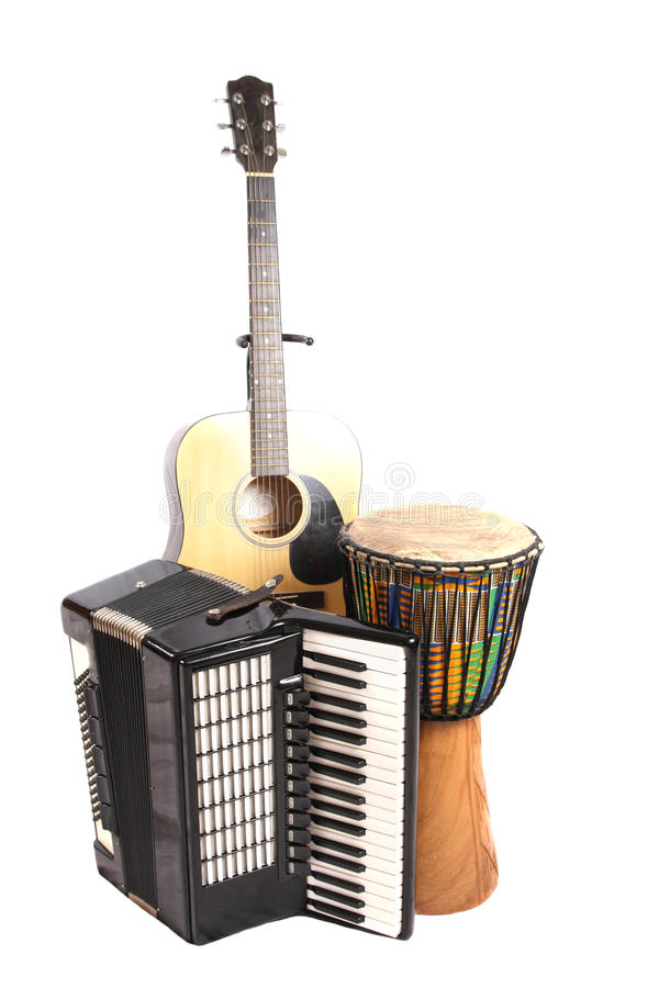 Djembe, Akkordeon und Gitarre lizenzfreies stockfoto
