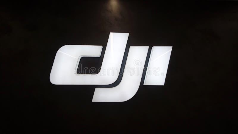 DJI-bedrijfembleem op de opslag royalty-vrije stock afbeelding