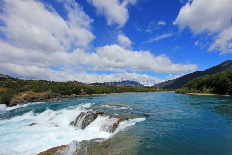 Djupblå bagareflod, Chile fotografering för bildbyråer