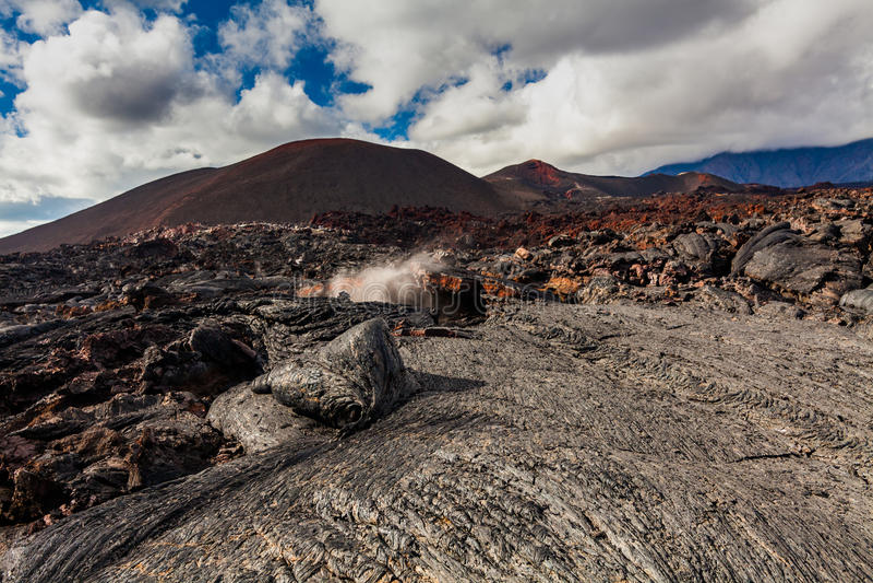 Djupfryst lava av den Tolbachik vulkan, Kamchatka royaltyfri bild