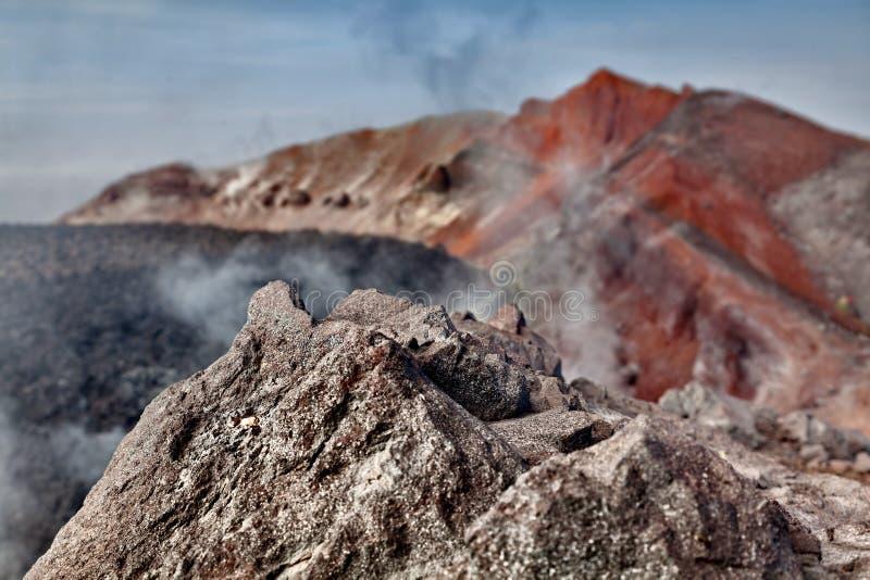 Djupfryst lava av vulkan Dal av Geysers Reserv för Kronotsky tillståndsnatur Kamchatka halvö, Ryssland fotografering för bildbyråer